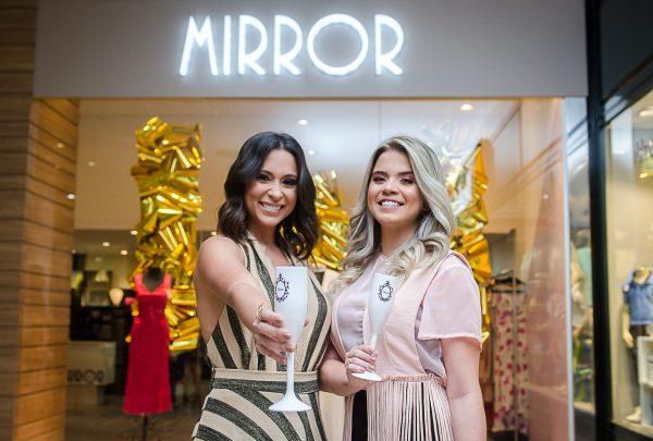 Brindando às novas conquistas, Brenda Morais e Brena Batista inauguram Mirror no Del Paseo