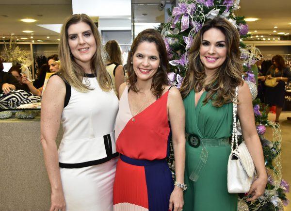 Cajáz reúne clientes para apresentar nova coleção de fim de ano; confira as fotos