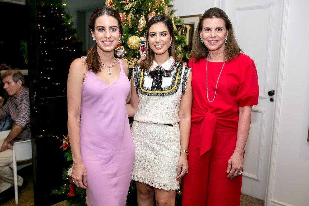 Sandra Pinheiro reúne família para uma noite intimista de Christmas Party
