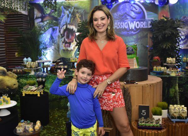 Aniversário de 5 anos de Sylvio, filho de Silvinha e Rafael Leal, é inspirado em dinossauros