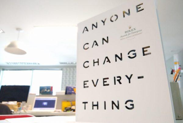 Inspiradores projetos sociais reunidos na publicação de 40 anos do Rolex Awards For Enterprise