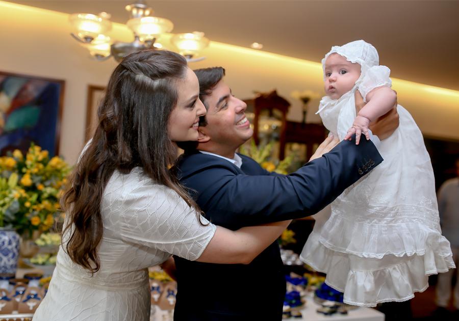 Uma reunião de amor e de fé marcou o batizado do filho de Lara e Geraldo Laprovitera