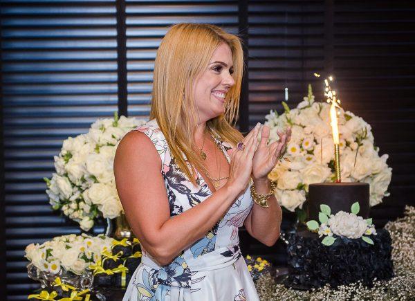Letícia Studart ganha almoço surpresa articulado por Martinha Assunção no Santa Grelha