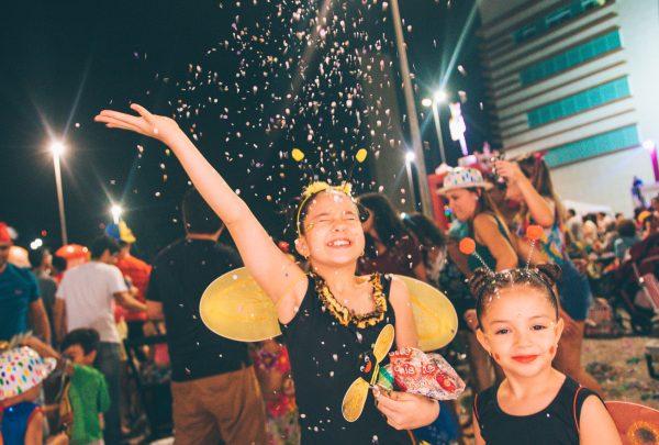 Bailinho Infantil garante alegria da criançada no carnaval do Shopping RioMar Fortaleza