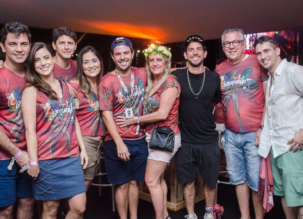 """Thiaguinho & Parangolé animaram os foliões no 2º Dia do """"Meu Bloquinho"""", no Marina Park Hotel"""