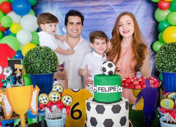 Larissa e Rodrigo Furtado celebram aniversário de 6 anos de Felipe