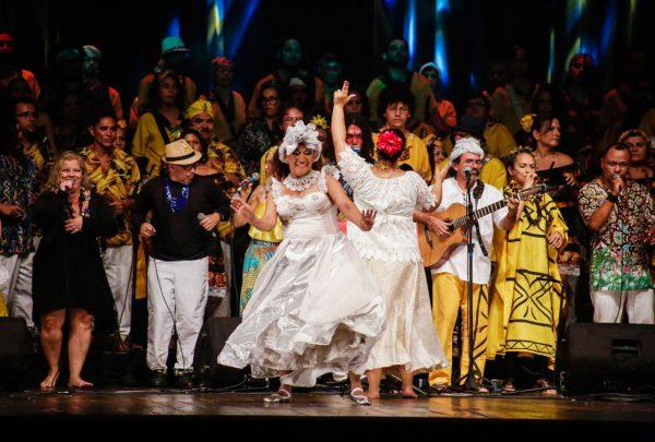 Maracatu Solar lança CD/DVD gravado ao vivo no Cineteatro São Luiz em diversos espaços de Fortaleza