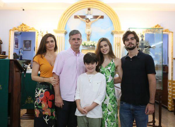 Manhã iluminada e amorosa para batizar Pedro, filho de Ana Luiza e Adriano Picanço
