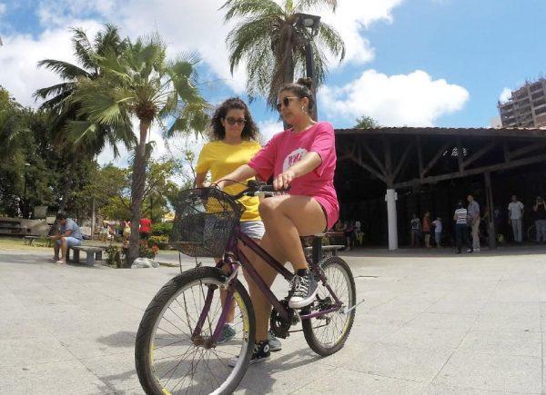 Escola Bike Anjo completa 6 anos e comemora com passeio ciclístico no ritmo do Carnaval