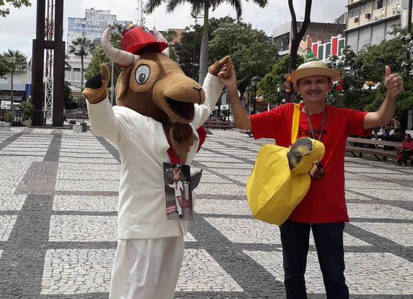Campanha quer levar Bode Ioiô para desfilar no Carnaval do Rio