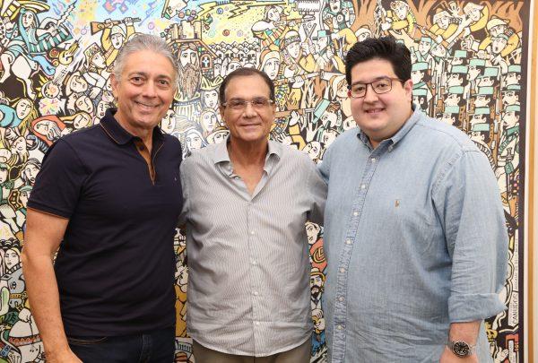 Afrânio Barreira estuda transferir equipe estratégica do Coco Bambu para São Paulo