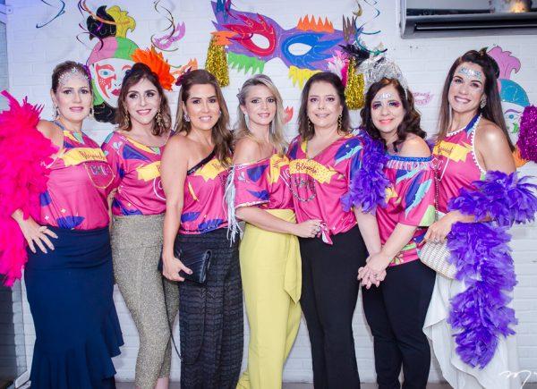 Grupo de amigas organiza bloquinho de pré-carnaval no Moana