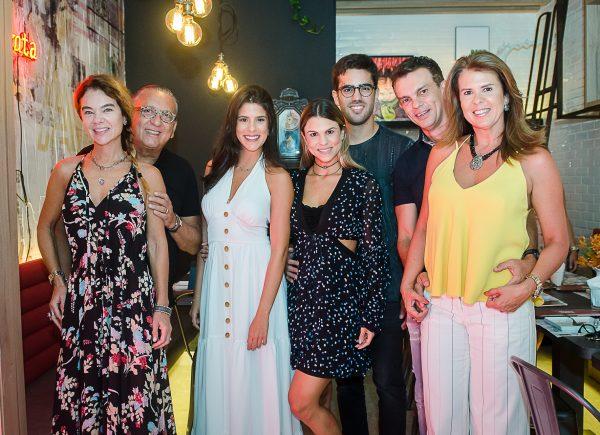 Marcela Pinto inaugura seu novo espaço gastronômico em noite animada com Galvão Bueno