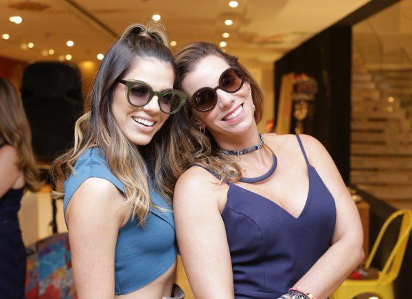LIVO Eyewear se une a Dona Santa para criar linha de óculos exclusivos que são puro glamour