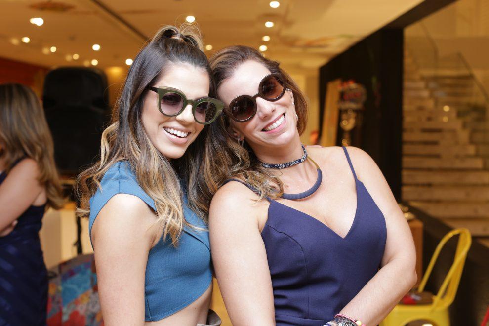 LIVO Eyewear se une a Dona Santa para criar linha de óculos exclusivos que  são puro bd51a4930b