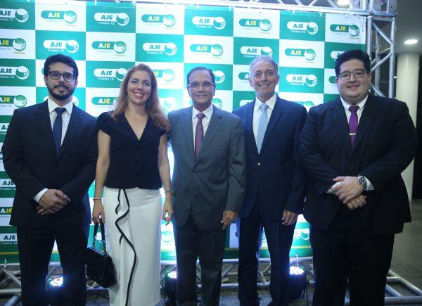 Coordenação 2019 da AJE Fortaleza tome posse em solenidade na FIEC