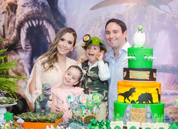 Rafaella Ximenes e Tiago Asfor celebram aniversário de 6 anos de Luca com festa temática