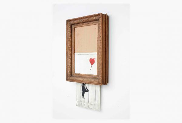 """Museu alemão vai exibir famosa obra """"Love is the Bin"""", do artista de rua britânico Banksy"""