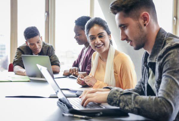 Unifor abre vagas para cursos profissionalizantes