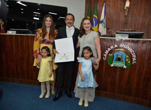 Tadeu Magela de Oliveira recebe o título de Cidadão Honorário de Fortaleza em solenidade na Câmara Municipal