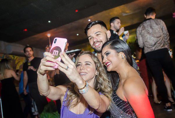 De Repente 30: Mileide Mihaile comemora aniversário com festa privê no Pipo Restaurante