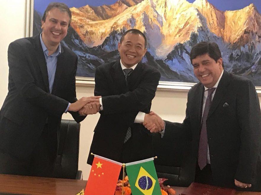 Na China, Camilo Santana assina acordo em prol do desenvolvimento de tecnologias para a área da saúde
