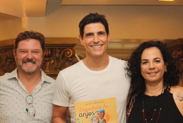 """Livro infantil """"Esquadrão dos anjos"""" será lançado no Shopping Iguatemi Fortaleza neste sábado (13)"""