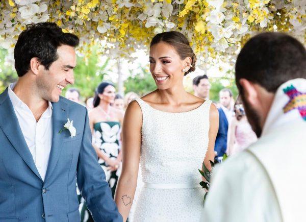 Casamento de Kika Laffranchi e Tiago Schietti agita Trancoso e tem cearenses entre os convidados