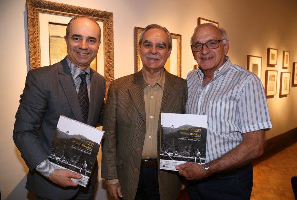 """Saiba como foi o lançamento do livro """"Estética de uma amizade"""", na Pinakotheke"""