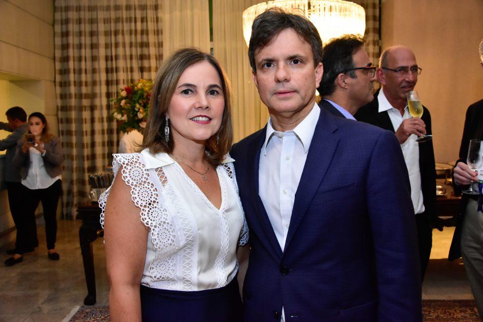 André e Gyna Jucá promovem jantar para celebrar realização de congresso médico em Fortaleza