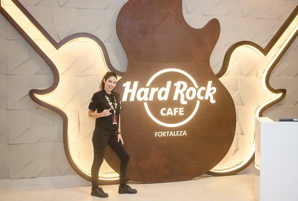 Legendary Burger, do Hard Rock Cafe Fortaleza, tem toque gastronômico cearense
