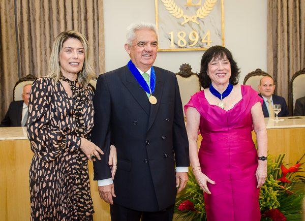 Tales de Sá Cavalcante assume a cadeira 9 da Academia Cearense de Letras
