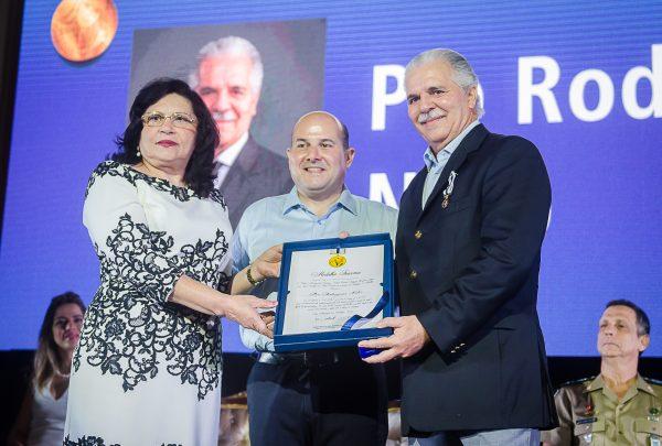 Pio Rodrigues foi um dos homenageados com a Medalha Iracema 2019; veja o registro e as honrarias