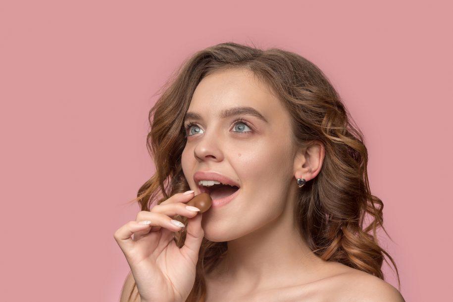 Chocolate é realmente saudável? Nutricionista esclarece sobre consumo ideal durante a Páscoa