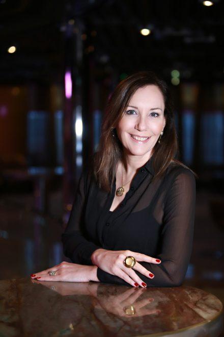 Martha Gabriel fala sobre o mundo digital no 12º Encontro de Mulheres Pague Menos