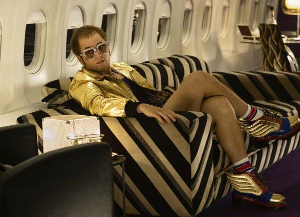 Um milhão de cristais Swarovski embelezam figurino de filme sobre Elton John