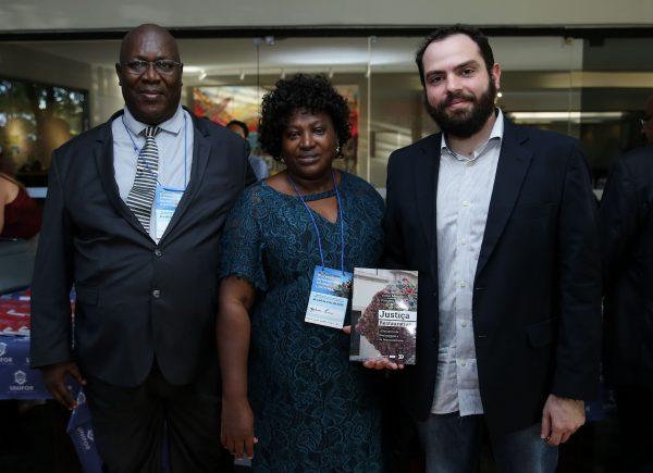 """Victor Pompeu lança livro """"Justiça Restaurativa: alternativa de reintegração e de ressocialização""""; veja fotos"""