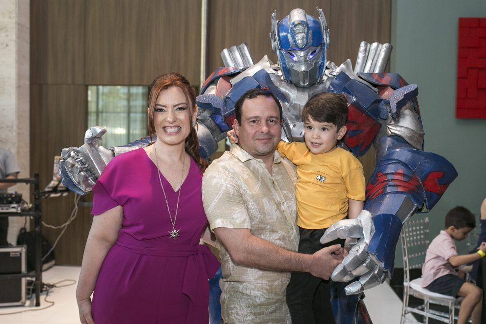 """Filme """"Transformers"""" foi tema do super aniversário de Victor, filho de Aline e Igor Barroso; estivemos por lá"""