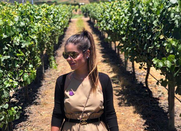 Camila Nogueira se destaca nas redes sociais abordando temas como maternidade