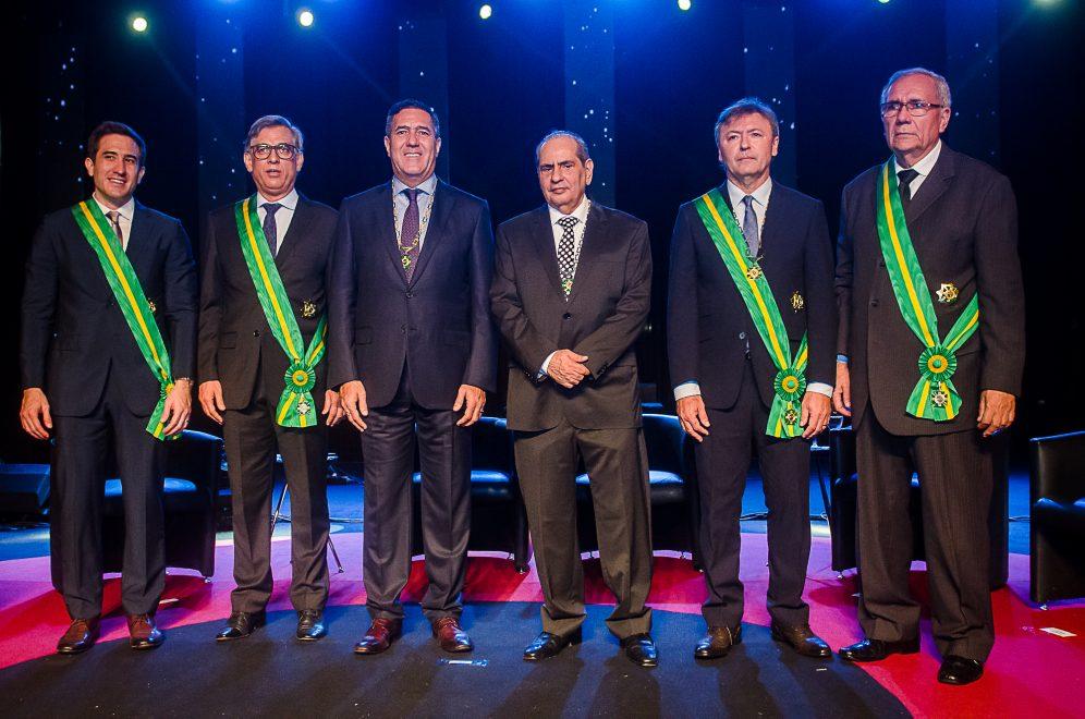 José Roberto Tadros e Luiz Gastão Bittencourt, da CNC, são honrados com a Ordem do Mérito Comercial do Ceará; veja o registro