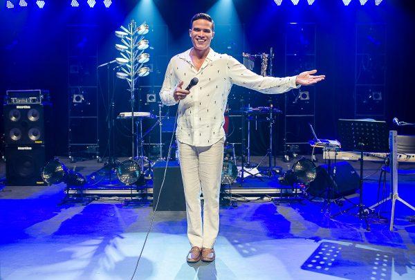 Marcos Lessa celebra carreira de Emílio Santiago em show no RioMar