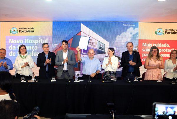 Roberto Cláudio assina ordem de serviço para construção do 1º Hospital da Criança de Fortaleza
