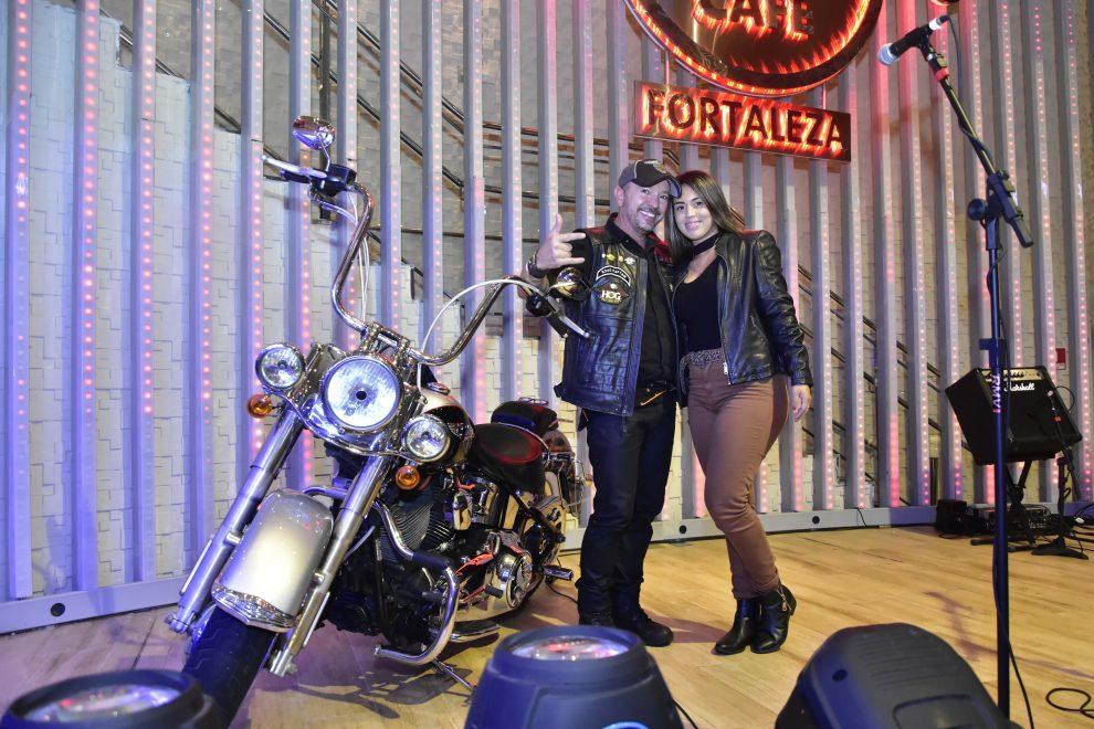 """Hard Rock Cafe Fortaleza realiza o evento """"É Rock & Harley""""; confira cobertura"""