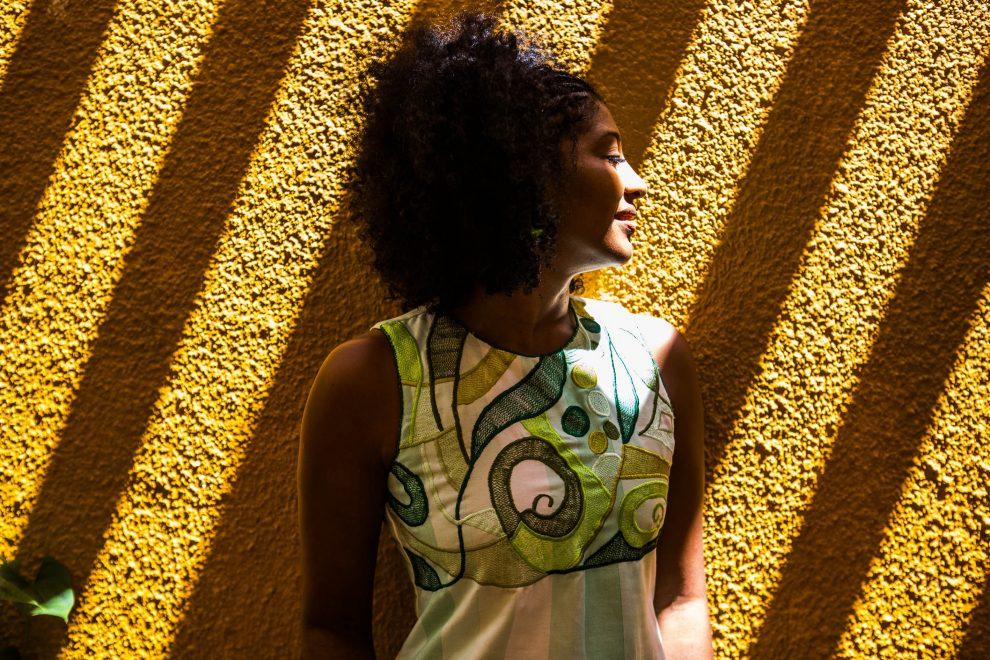 """Silvania de Deus lança coleção """"Imersa"""" no DFB Festival 2019 em celebração a 20 anos de sua marca autoral"""