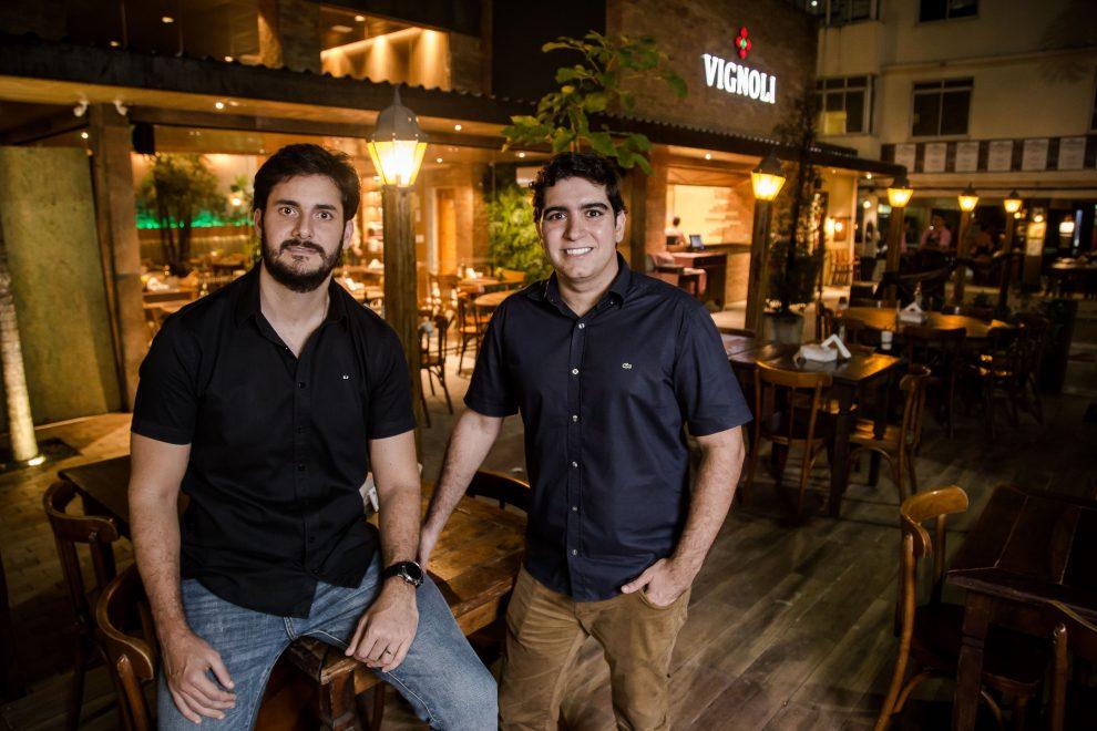 Muito além da pizza: Vignoli apresenta novo cardápio, agora mais diversificado, e espaço reformulado com assinatura da arquiteta Larissa Ary