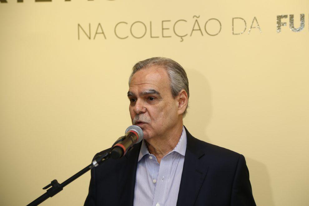 Cearense Max Perlingeiro é destaque em premiação da Associação Brasileira de Críticos de Arte