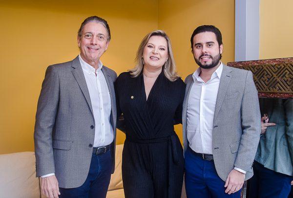 Joice Hasselmann discute Reforma da Previdência no Espaço Coco Bambu por Toca