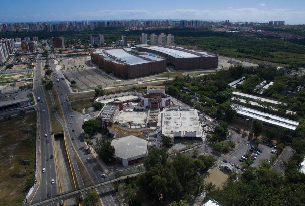 Governo do Estado formaliza devolução do antigo Centro de Convenções à Fundação Edson Queiroz