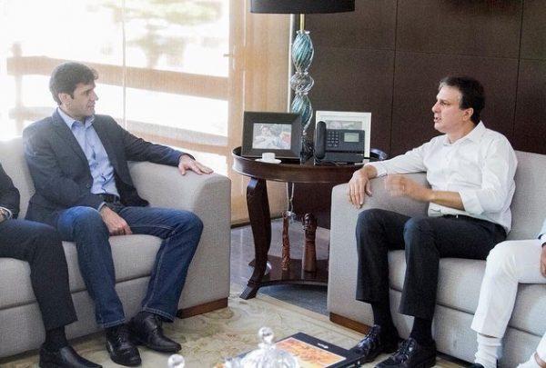 Camilo Santana recebe ministro do Turismo, Marcelo Álvaro Antônio, para tratar de ações para o turismo do Ceará