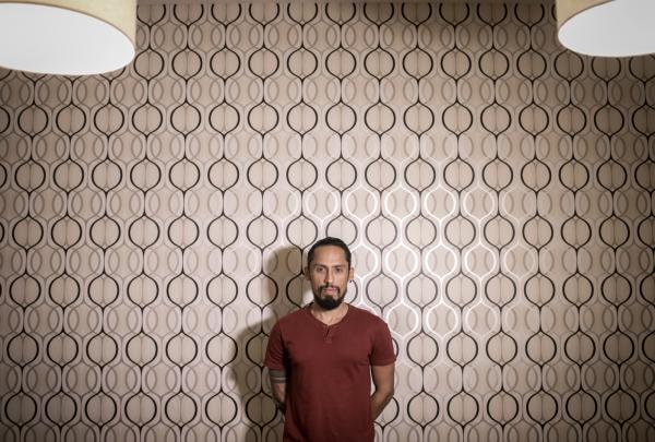 Artista plástico Juca Máximo expõe suas obras em Chicago